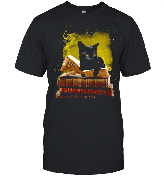 Black Cat With A Law Book T-shirt Classic Men's T-shirt